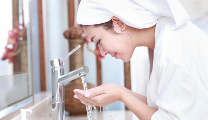 3- Pour avoir une belle peau, lavez-vous le visage avec un nettoyant doux