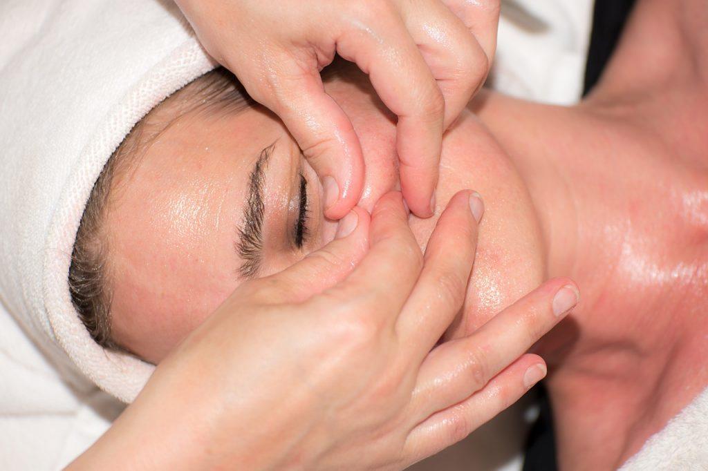 Traitements conventionnels pour l'acné