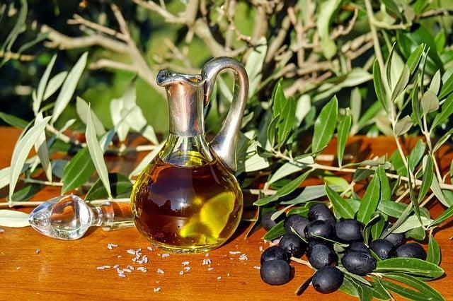 Cicatrice d'acné traitement naturel huile d'olive