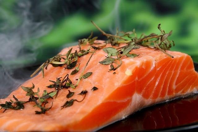 Aliments brûle-graisse : Le saumon sauvage