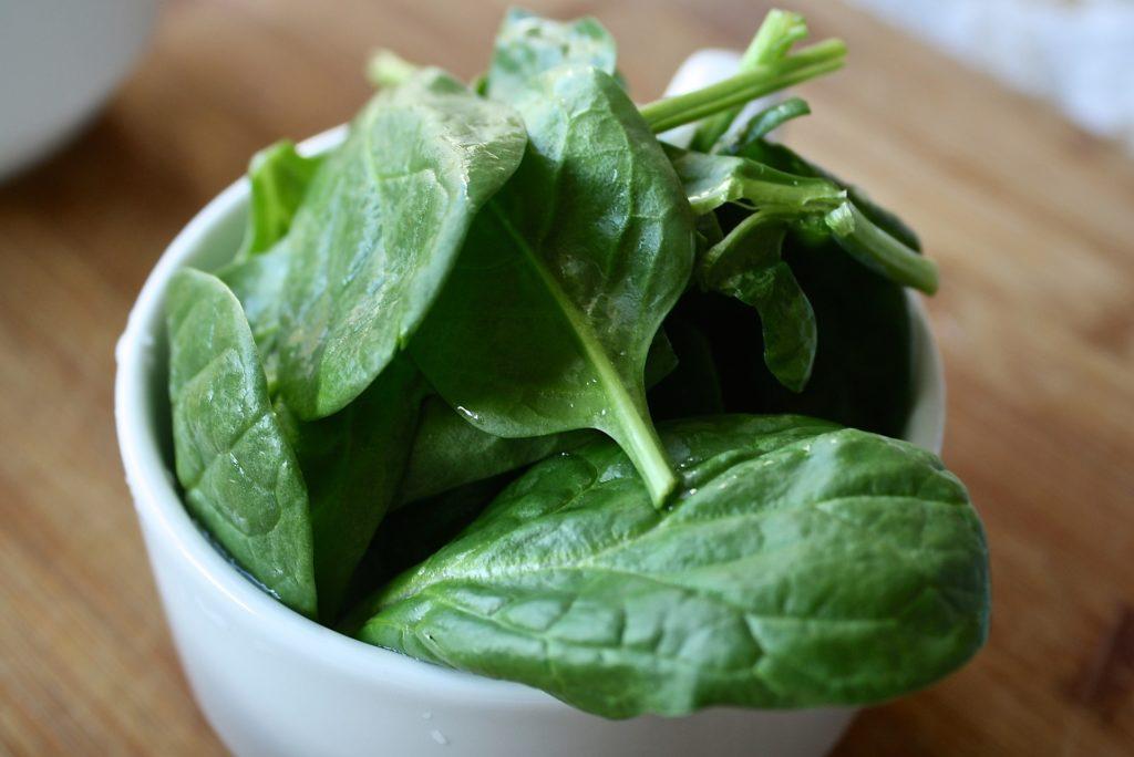 Aliments brûle-graisse : Les légumes à feuilles vertes