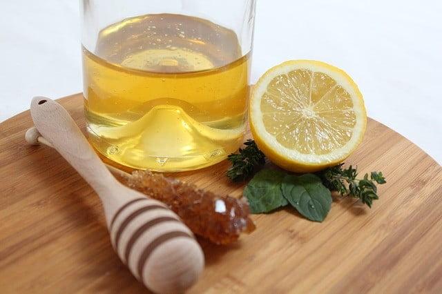 Traitement acné du nourrisson remède naturel: Jus de citron et miel
