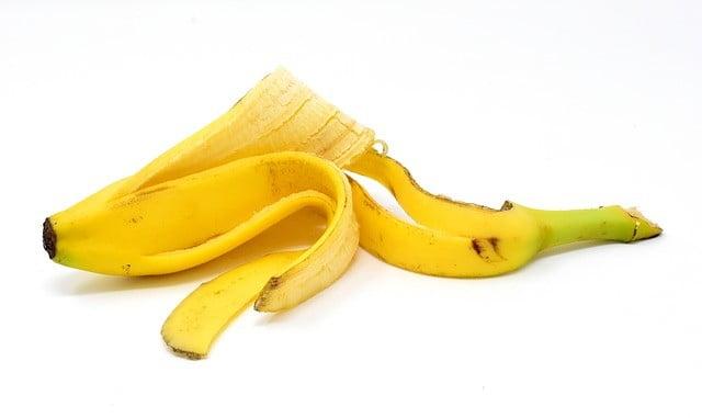 Pelures de banane contre les verrues planes
