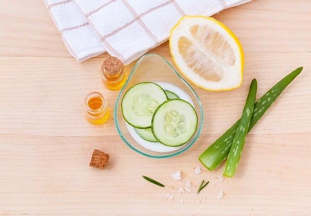 Pour blanchir la peau en une semaine naturellement, il faut adopter des remèdes naturels aux ingrédients inoffensifs