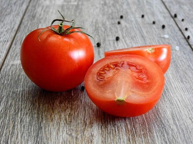 La tomate pour blanchir la peau en une semaine naturellement et efficacement