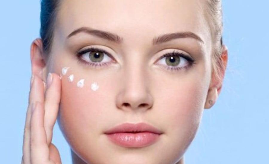 Comment l'hamamélis peut aider à préserver la peau ?