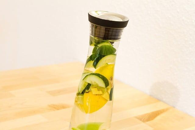 eau détox au concombre