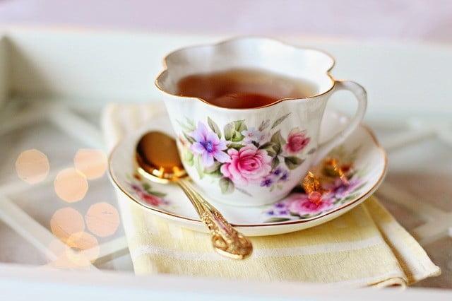 Le thé vert, noir et blanc contre la grippe