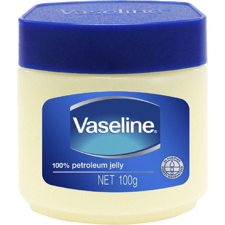 Photo de 8 astuces de beauté avec la vaseline!