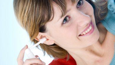 Photo de Bouchon dans l'oreille : Comment enlever un bouchon de cérumen naturellement ?