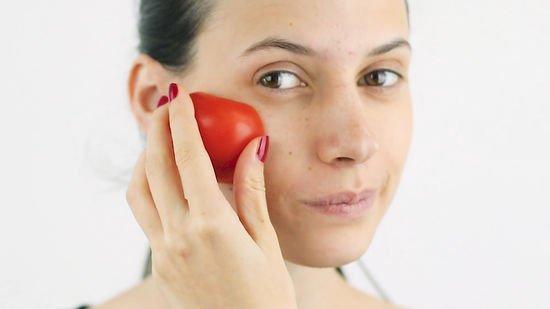 éclaircir la peau avec la tomate